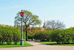 The Field de Mars et du château de Mikhailovsky dans le saint-Petersbur Photos libres de droits