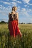 field flickastandingen Royaltyfria Bilder