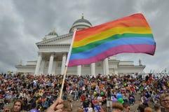 Fierté 2019 de Helsinki - le drapeau d'arc-en-ciel est des symboles internationaux d'un LGBT image libre de droits