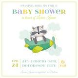 Fiesta de bienvenida al bebé o tarjeta de llegada - mapache del bebé Foto de archivo