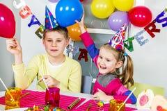 Fiesta de cumpleaños divertida grande foto de archivo libre de regalías