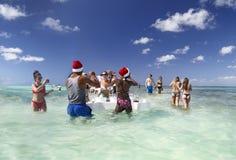 Fiesta de Navidad en el Caribe Diversión tropical foto de archivo libre de regalías