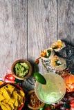 Fiesta: Mexicansk mat och drink som firar Cinco De Mayo arkivfoton
