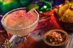 Fiesta: Sal deliciosa de Margarita On The Rocks With en borde