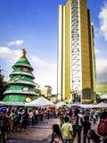 Fiestas de Navidad en las calles de la ciudad Foto de archivo