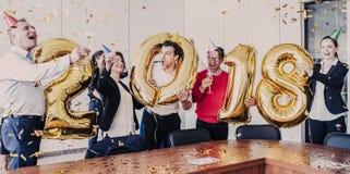 Fiestas en la oficina del Año Nuevo 2018 Imagenes de archivo