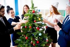 Fiestas en la oficina del Año Nuevo Imagen de archivo libre de regalías
