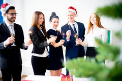 Fiestas en la oficina del Año Nuevo Imágenes de archivo libres de regalías