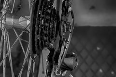 Fiets achterwiel met detail van het toestelsysteem royalty-vrije stock afbeelding