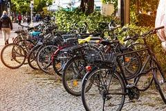 Fiets, stad, stedelijke fiets, reis, cyclus, vervoer, transporta stock fotografie