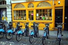fietsen voor huur Stock Afbeelding