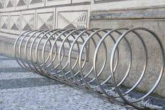 Fietsenrek in Praag Royalty-vrije Stock Afbeelding