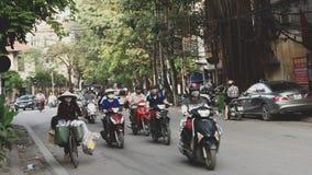 Fietsers in Hanoi Vietnam royalty-vrije stock afbeelding