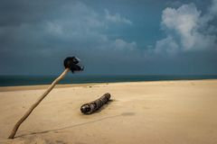 Fietsersliefde van Zandig strand royalty-vrije stock afbeeldingen