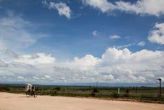 Fietsmens in Afrika Stock Afbeeldingen