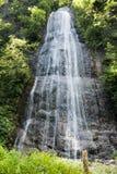 Fietspad in Valsassina: cascade Royalty-vrije Stock Fotografie
