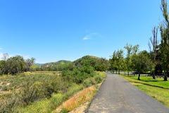 Fietssleep in Irvine Regional Park in Oranje Provincie, Californië stock fotografie