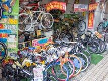 Fietsverkoop in Tokyo, Japan Stock Foto's
