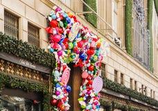Fifth Avenue -de Vakantiedecoratie van het luxewarenhuis Stock Foto's