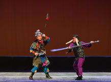 "Fight-Peking opera ""Little Worriors of Yeuh's family"" Stock Images"
