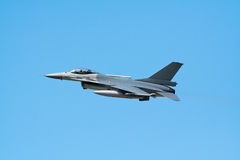 Fighterjet F-16 Lizenzfreies Stockbild