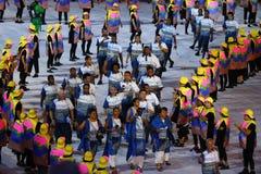 Figi olimpiche del gruppo che marciano allo stadio di Maracana durante la cerimonia di apertura 2016 di Rio Fotografia Stock Libera da Diritti