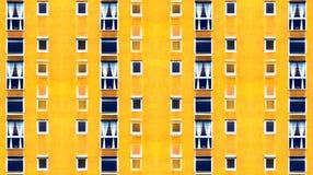 Figlarnie Żółta Abstrakcjonistyczna elewacja budynek mieszkalny obrazy stock
