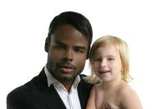 Figlia africana del caucasian del padre Immagine Stock