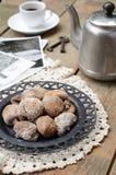 Figos, potenciômetro do café, xícara de café e cartões secados do vintage Fotografia de Stock