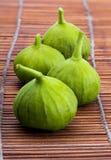 Figos verdes, fresco e maduro foreground imagem de stock royalty free