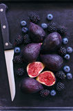 Figs, blackberries and blueberries Royalty Free Stock Photos