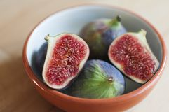 Figs in a bowl Royalty Free Stock Photography