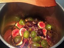 Free Figs Cooking In A Steel Pan To Became Fig Jam Royalty Free Stock Photos - 174907448