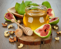 Figs with honey Royalty Free Stock Images