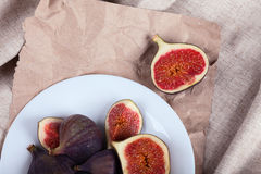 figs plate white Royaltyfria Bilder