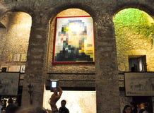 FIGUERES, ESPAGNE 6 AOÛT : Touristes chez Dali Theatre en août 6,2009 à Figueres. Photographie stock libre de droits