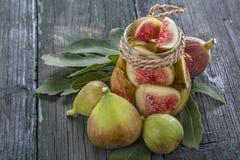 Figues fraîches et en boîte Image libre de droits