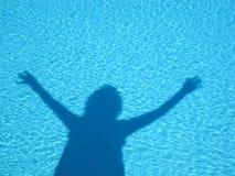 Figur im Wasser Stockfotos