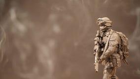Figura cantidad del soldado del hd del fondo del humo almacen de video