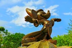 Figura de bronce de Fantasic del ratón de mickey imagen de archivo