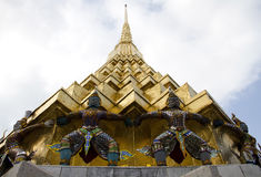 Figura de Ramayana no templo do prakaew de Wat, Tailândia imagem de stock