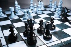 Figura del ajedrez, estrategia del concepto del negocio Fotos de archivo