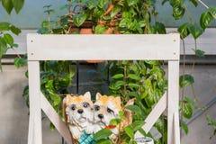 Figura del cane con legno in bianco Immagini Stock Libere da Diritti
