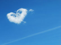 Figura del cuore in cielo Fotografia Stock