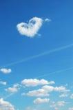 Figura del cuore in cielo Immagine Stock