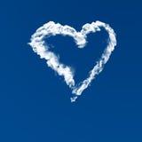 Figura del cuore della nube Fotografie Stock Libere da Diritti