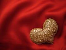 Figura del cuore su colore rosso Immagini Stock Libere da Diritti