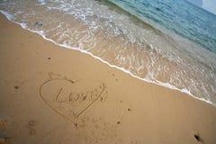 Figura del cuore sulla spiaggia Immagini Stock Libere da Diritti