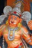 Figura del demonio en el templo hindú Swami Temple de Janardana Templo de Varkala Foto de archivo