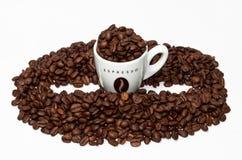 Figura della tazza e del fagiolo di caffè Fotografia Stock Libera da Diritti